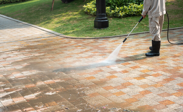 monoblock driveway cleaning